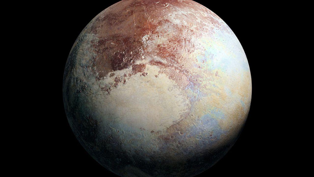 Plutone, a circa 5.900 milioni di km dal Sole, potrebbe avere acqua liquida al suo interno