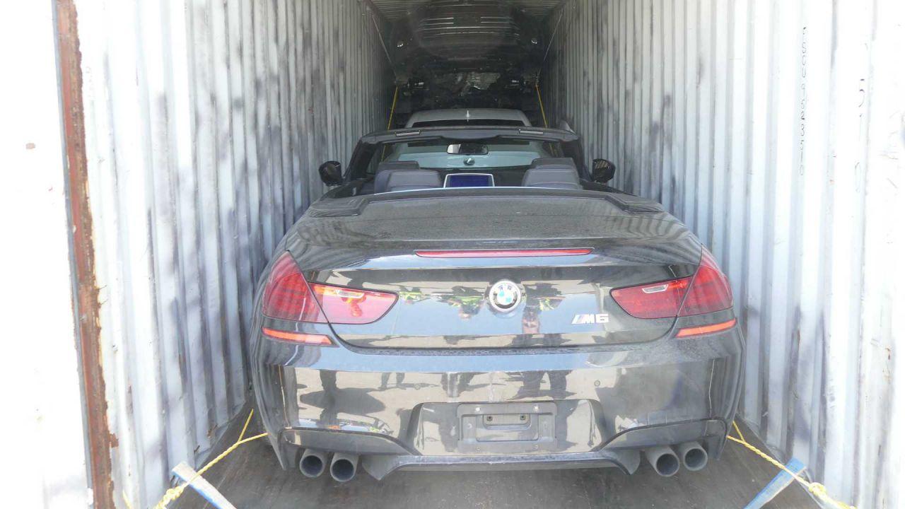 Polizia italiana e canadese scopre 40 auto rubate: erano nascoste nei containers