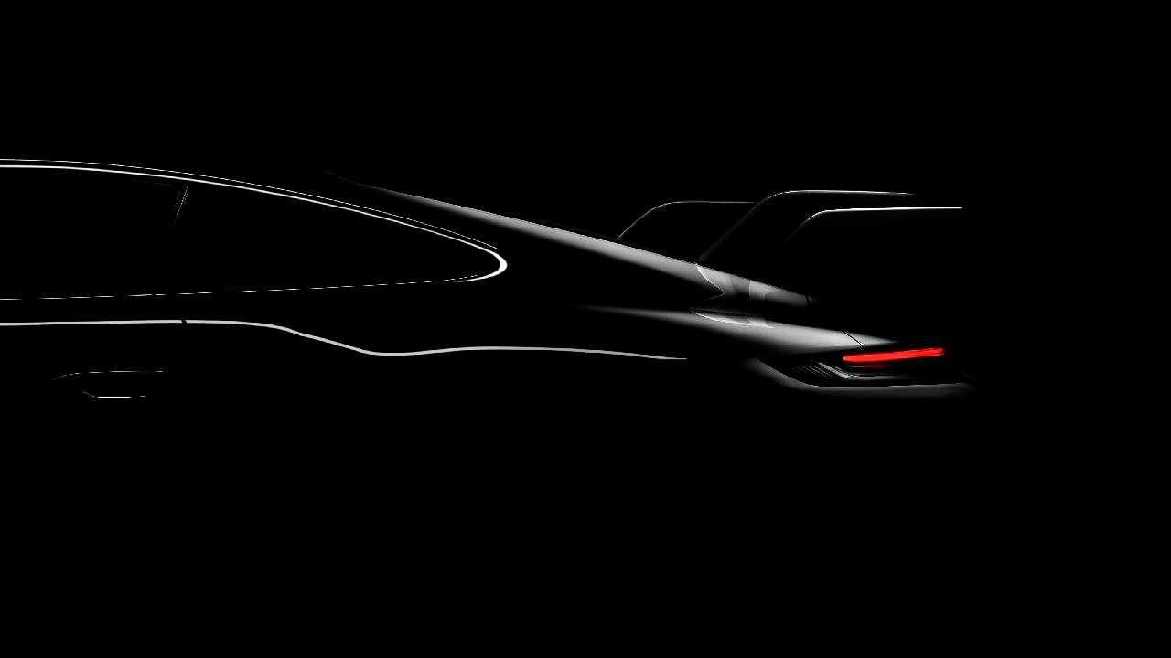 Porsche anticipa un nuovo modello di 911: ecco la prima immagine