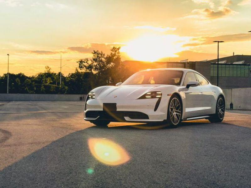 Porsche ci insegna a scattare foto di qualità alle auto