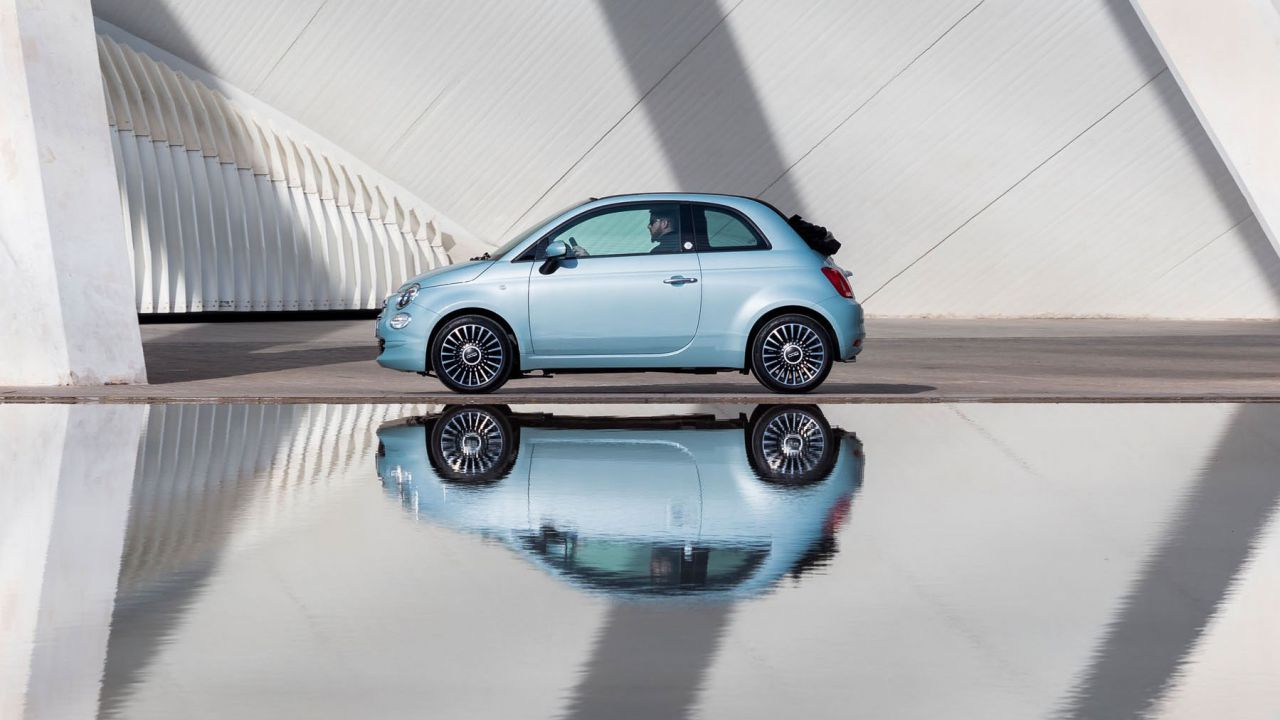 Prime recensioni della nuova Fiat 500 Hybrid: il verdetto di AutoExpress