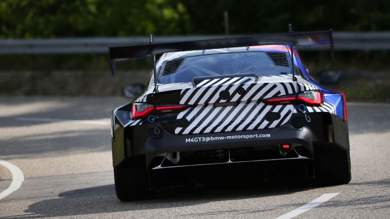 Primi test per la BMW M4 GT3: il mostro da competizione è quasi pronto