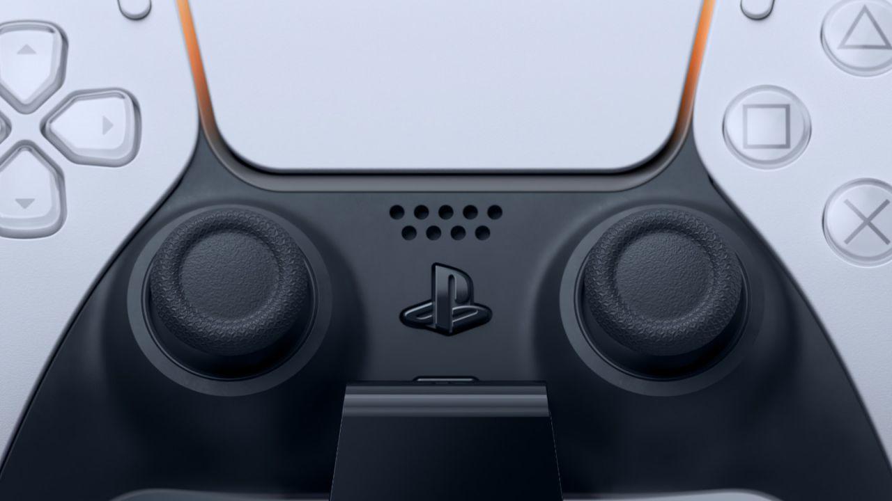 PS5 DualSense: avviata la prima class action per i problemi di drifting