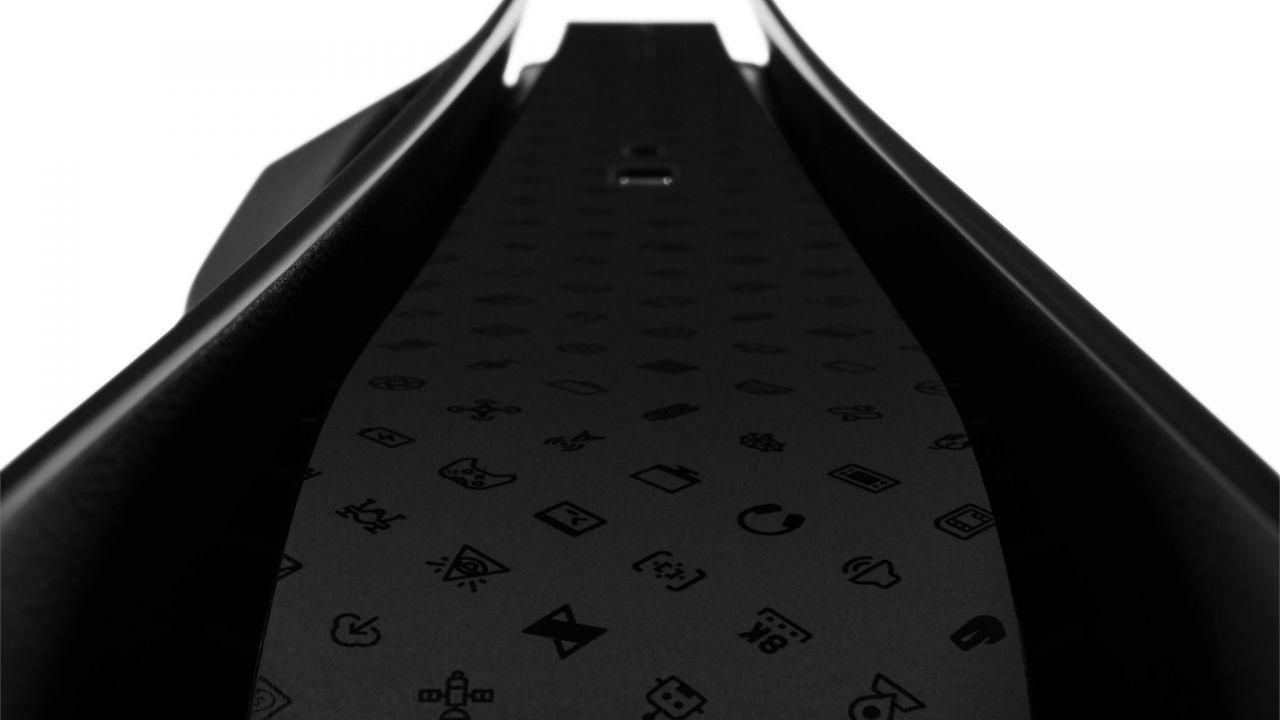 PS5 diventa nera grazie a dbrand: la compagnia sfida apertamente Sony