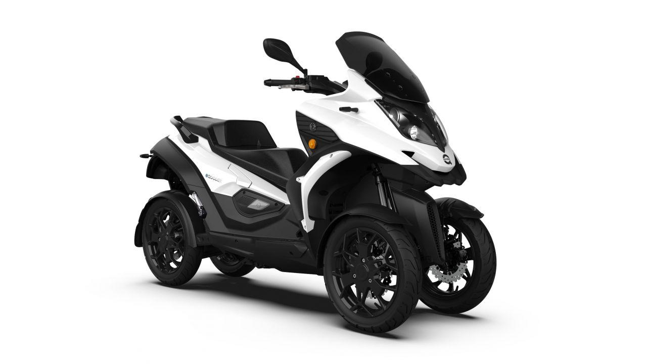 Quadro eQooder, lo scooter elettrico a 4 ruote che si guida con la patente B