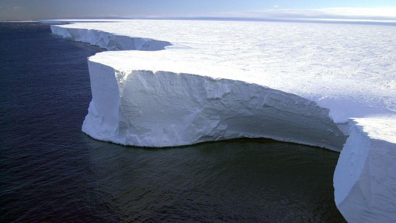 Quest'anno un iceberg più grande di Roma potrebbe staccarsi dall'Antartide