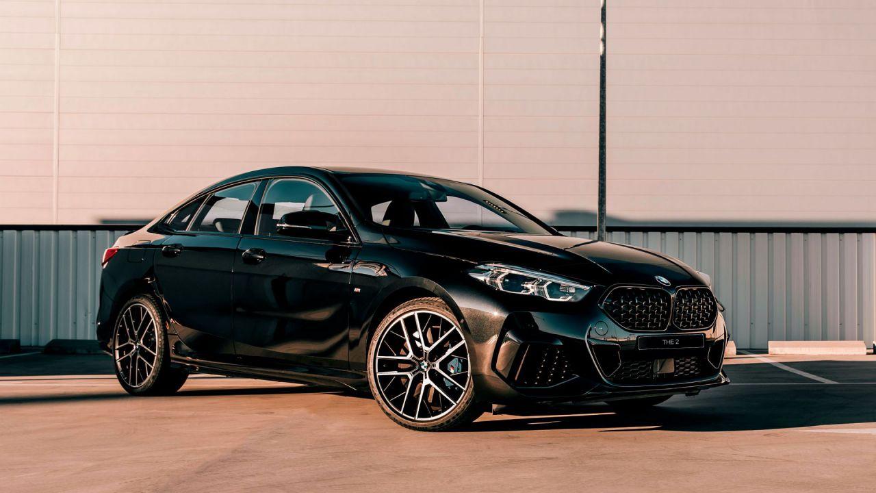 Questa fantastica BMW Serie 2 in Black Shadow è disponibile solo online