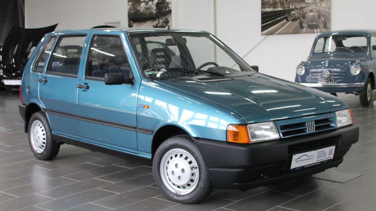 Questa Fiat Uno del '96 è giunta nel 2020 con appena 900 km percorsi