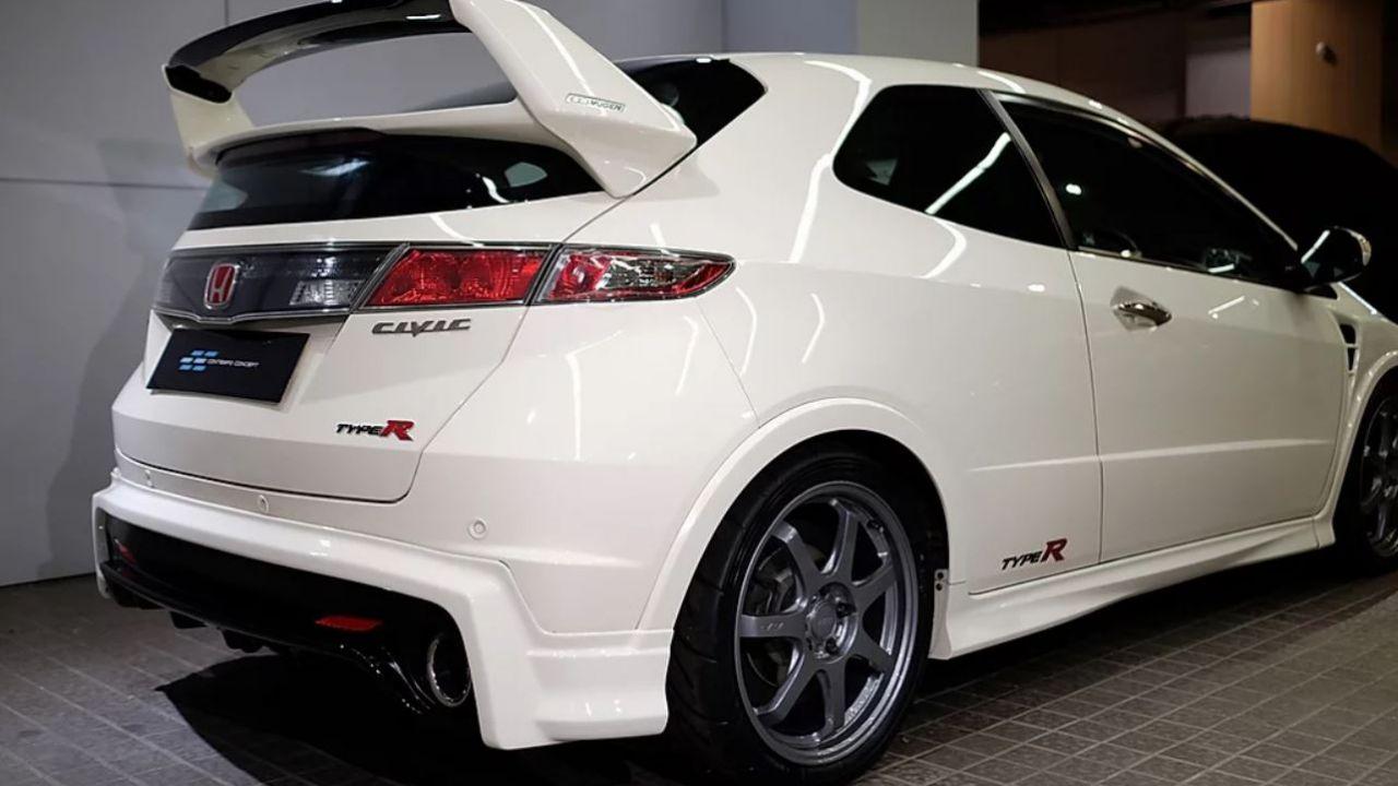 Questa Honda Civic Type R ha un prezzo assurdo, ma c'è un motivo