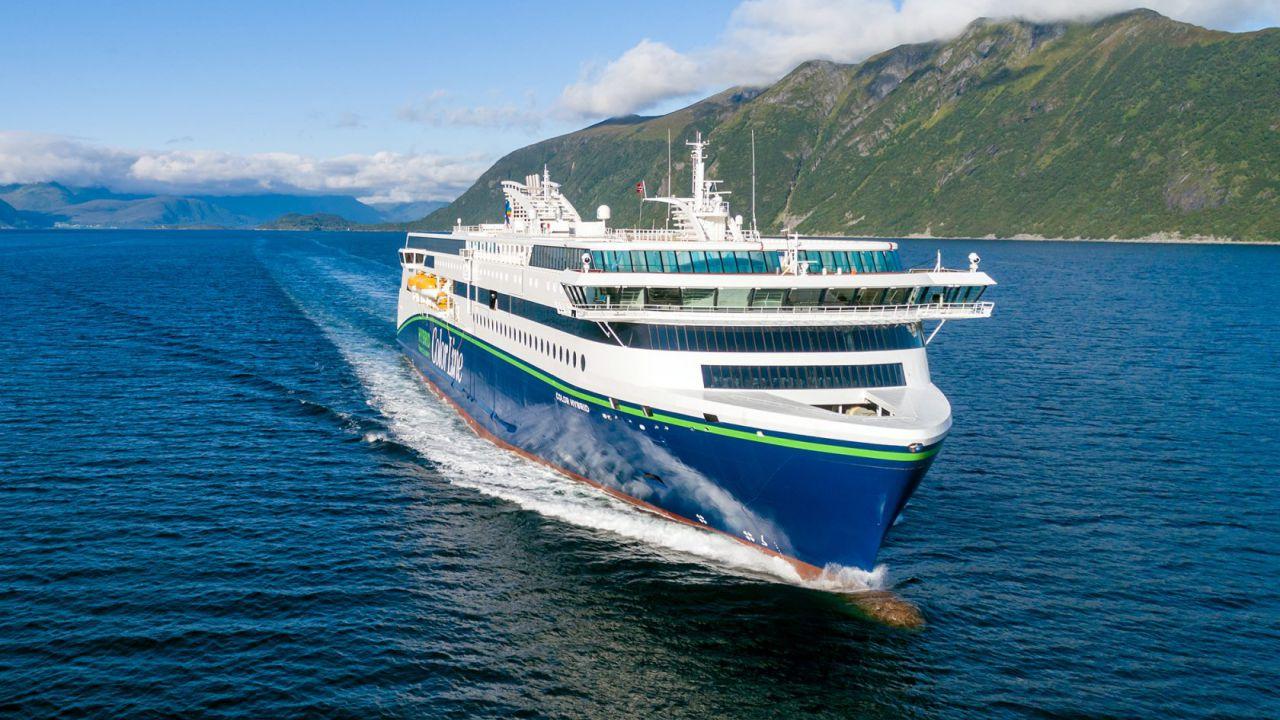 Questa nave ibrida viaggia senza gasolio grazie alla batteria più grande del mondo