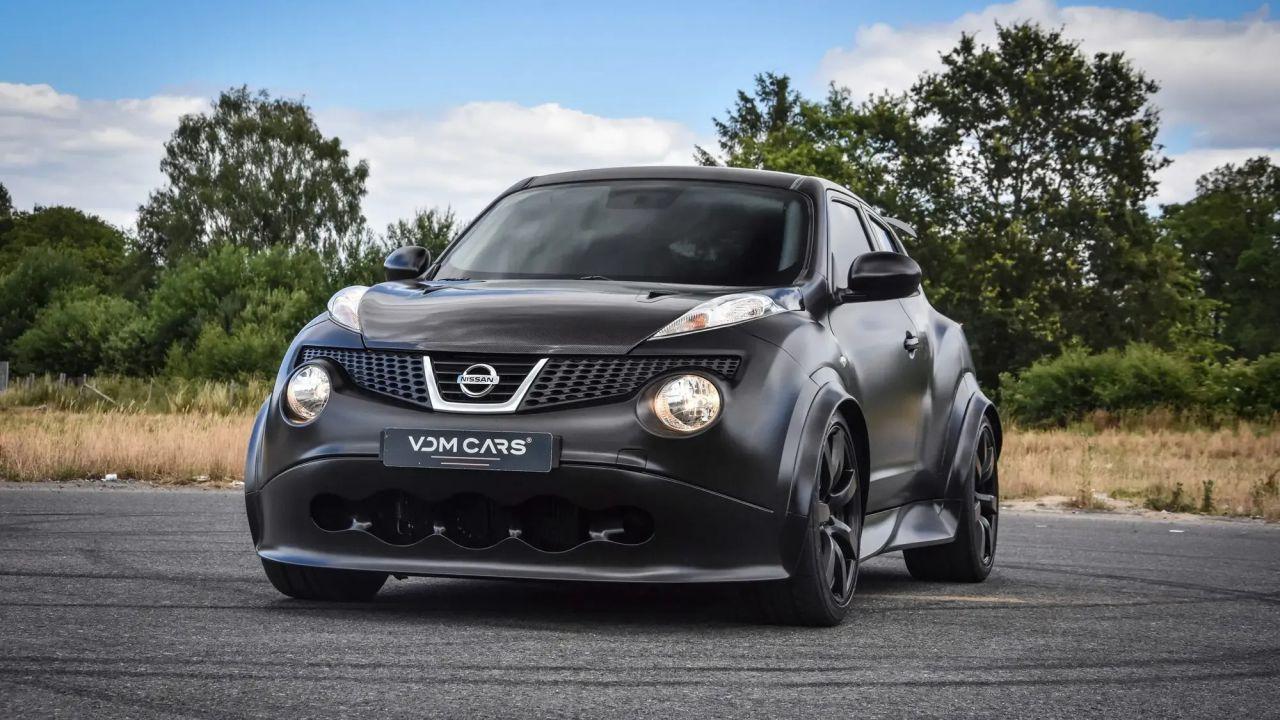 Questa Nissan Juke-R possiede 700 cavalli di potenza, ma a che prezzo?