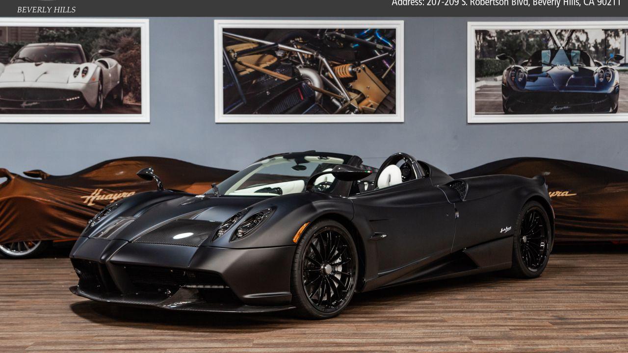 Questa Pagani Huayra Roadster è la Batmobile perfetta
