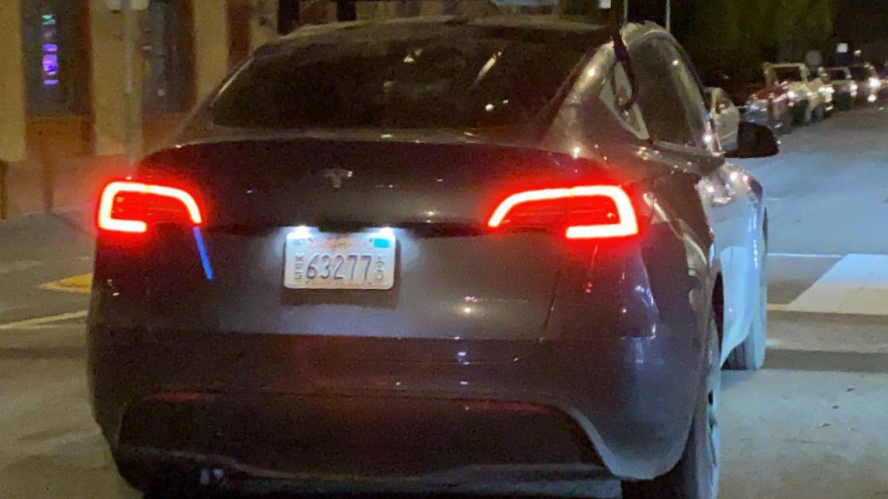 Questa Tesla Model Y monta uno strano sensore, ma di che si tratta?