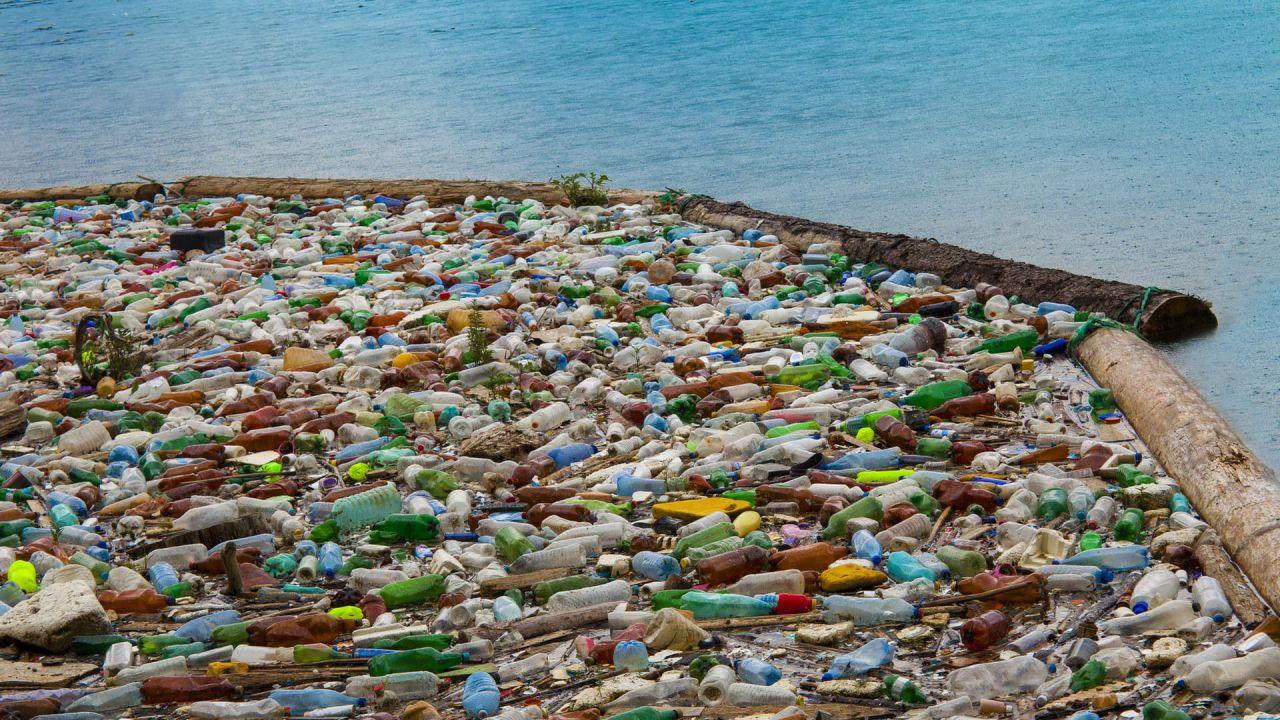 Questo nuovo tipo di plastica potrebbe essere riciclata 'all'infinito'