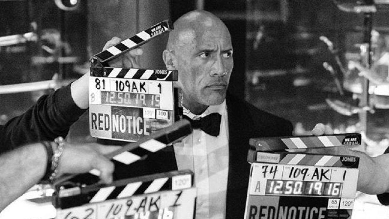 Red Notice, The Rock dal set del film Netflix: 'Misure anti-Covid mai così draconiane'