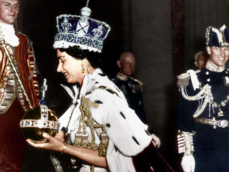 Regina Elisabetta, 67 anni fa l'incoronazione: i retroscena della storica cerimonia