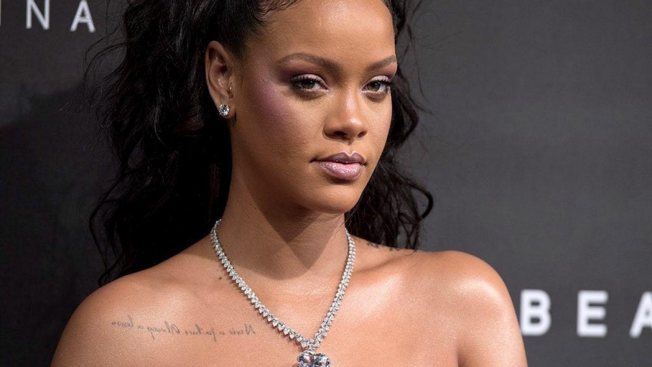 Rihanna si scusa dopo le critiche della comunità islamica: ecco cosa è successo