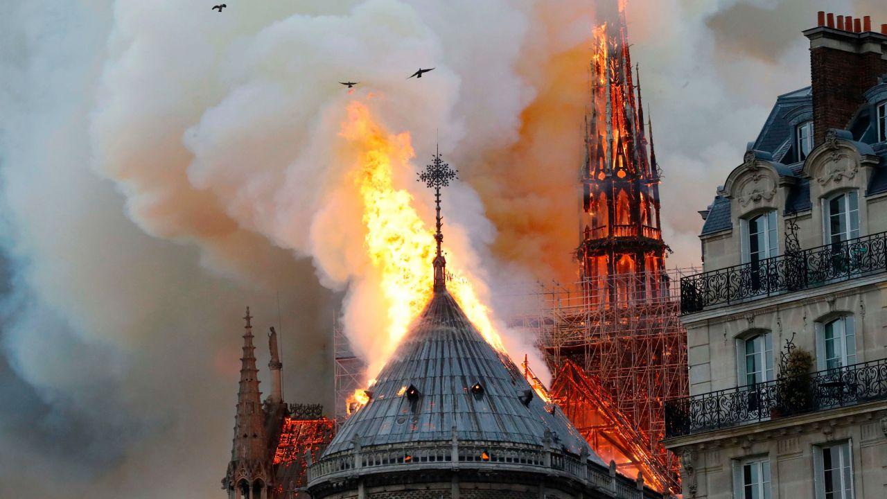 Riportare lo splendore originario di Notre-Dame diventa giorno dopo giorno più difficile
