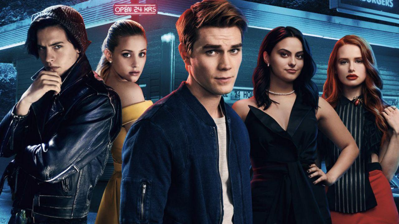 Riverdale: al via le riprese della stagione 5, l'annuncio di Lili Reinhart e Cole Sprouse