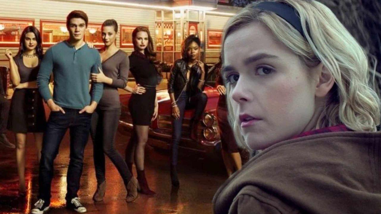 Riverdale, lo showrunner rivela: 'Il crossover con Sabrina è più possibile che mai'