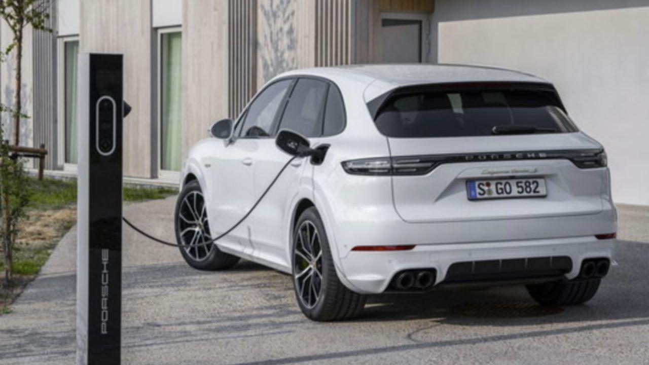 Rivoluzione elettrica  in Porsche: un'auto su quattro è una plug-in