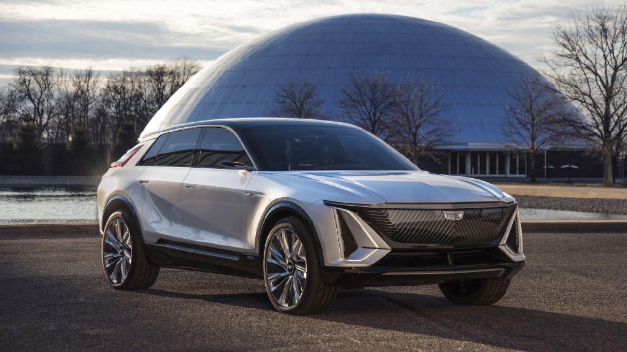 Rivoluzione senza precedenti in GM: Cadillac solo elettrica entro il 2025