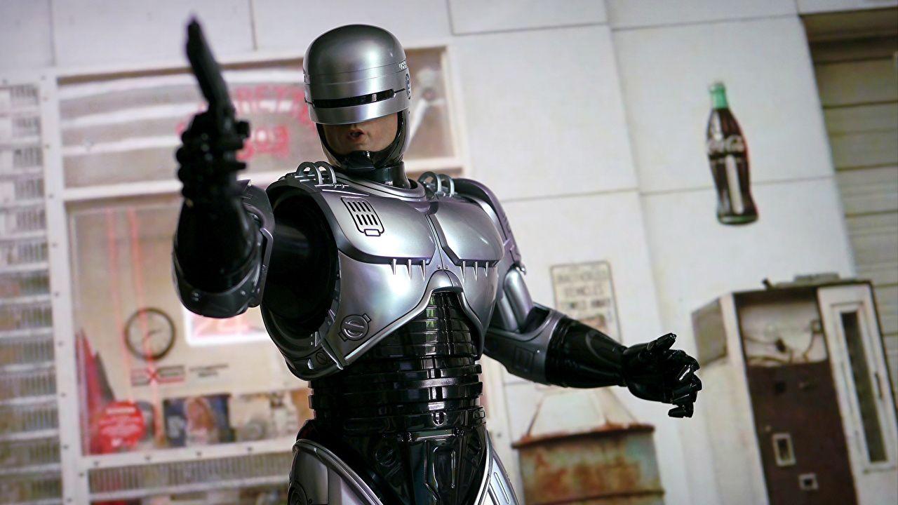 RoboCop Returns: Neil Blomkamp vorrebbe Peter Weller nel sequel