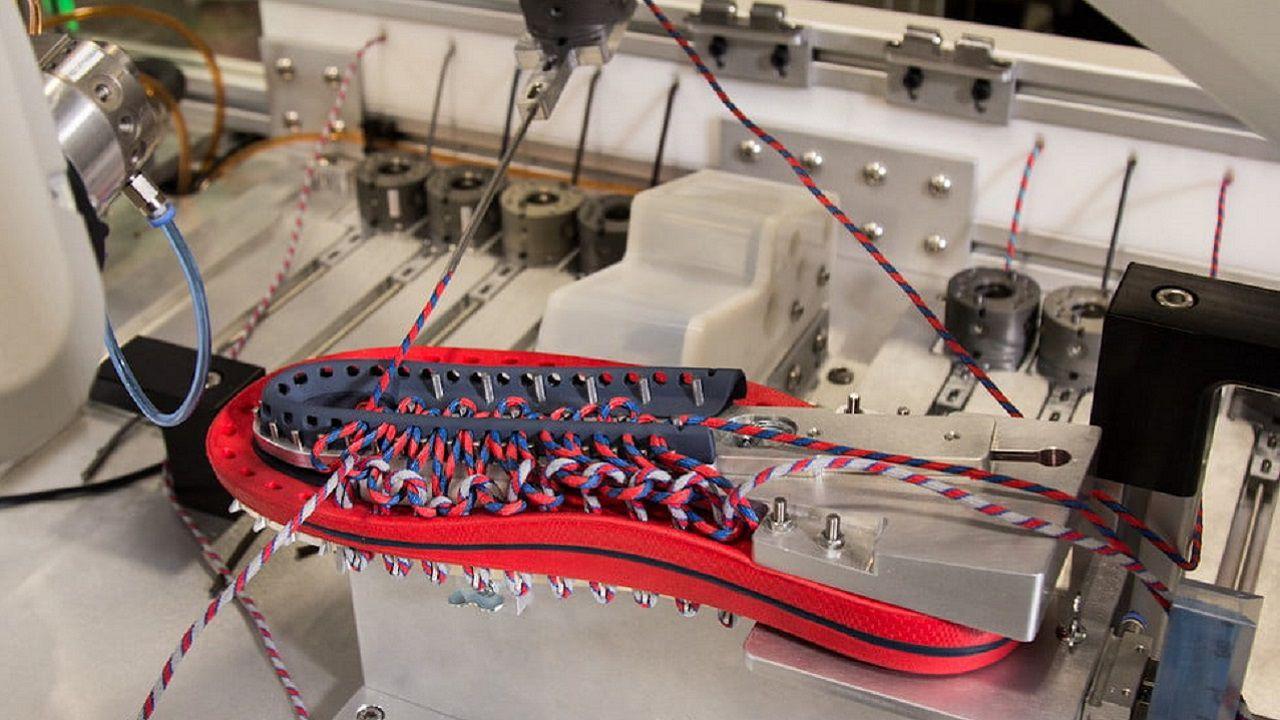 quality design dac64 033e6 Robot produce scarpe in pochi minuti: è la