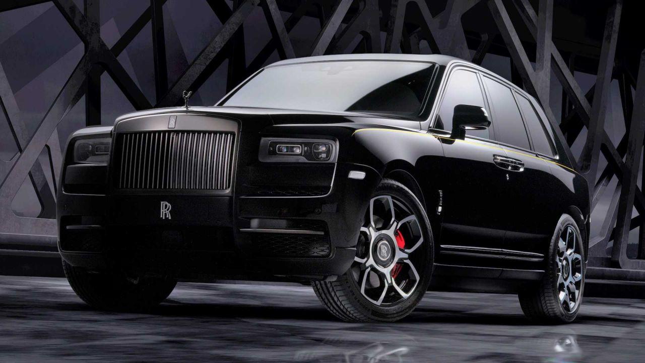 Rolls Royce Cullinan Black Badge: il SUV di lusso ora spinge 600CV