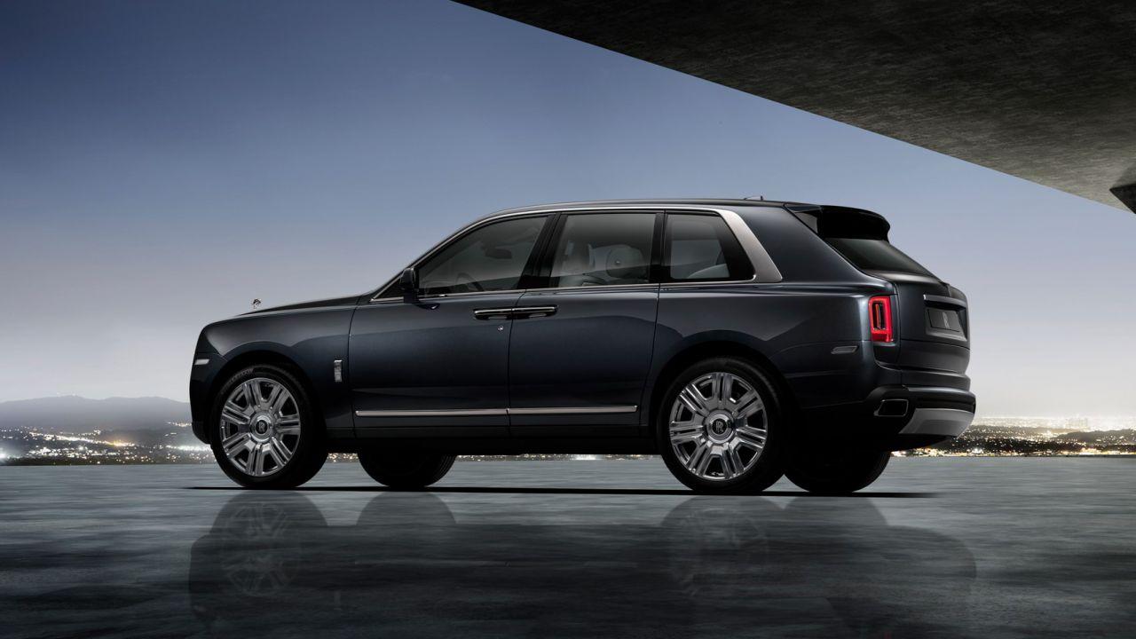 Rolls Royce svela il proprio SUV: ecco il 4x4 Cullinan