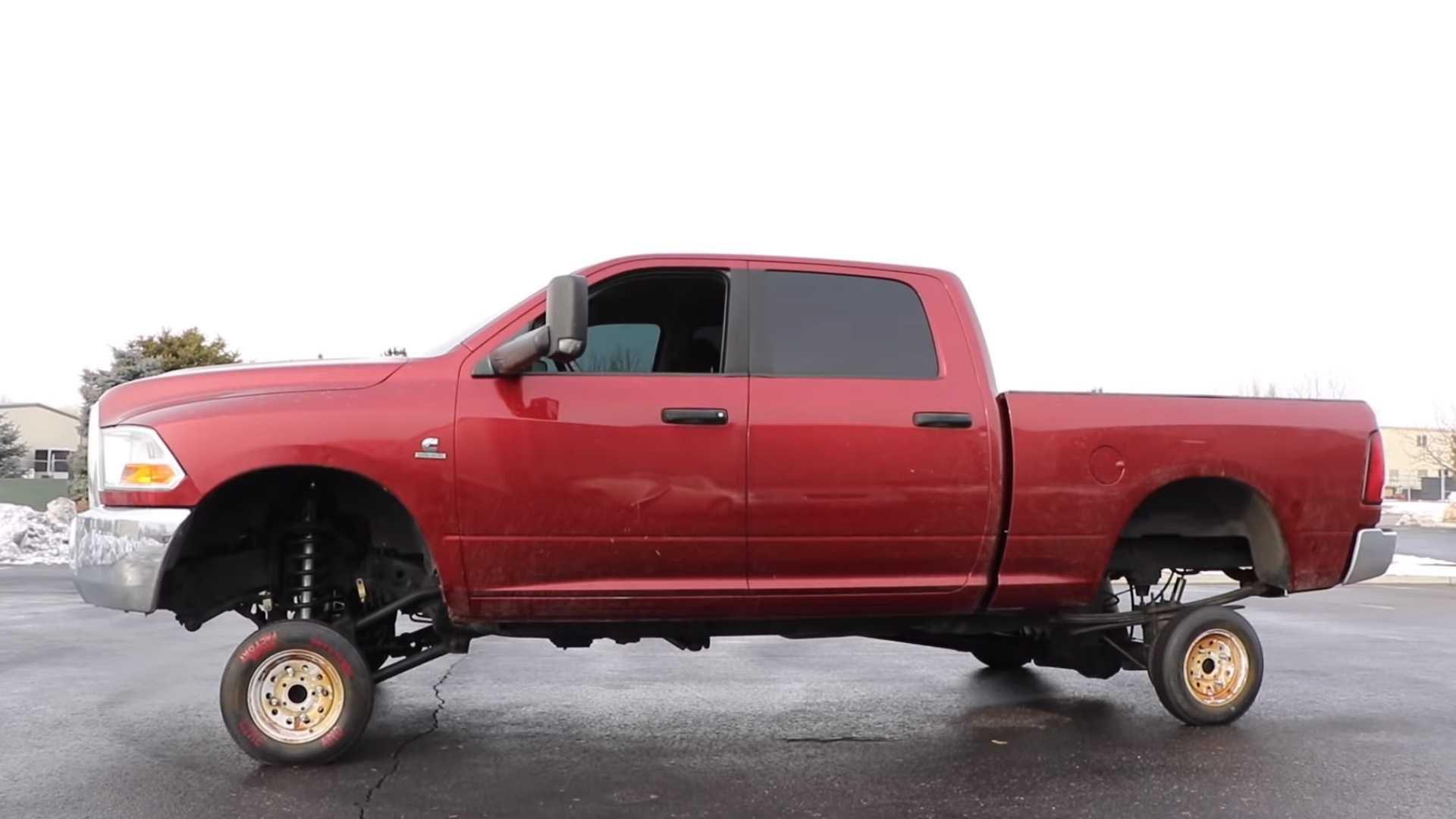 9d5a0e215c Ruote minuscole su un pickup gigante? Si può fare: ecco il video