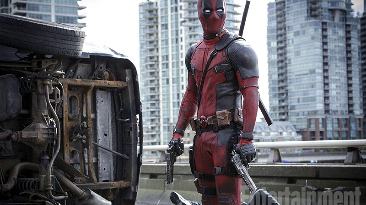 Ryan Reynolds ha pianto quando ha visto per la prima volta il costume di Deadpool