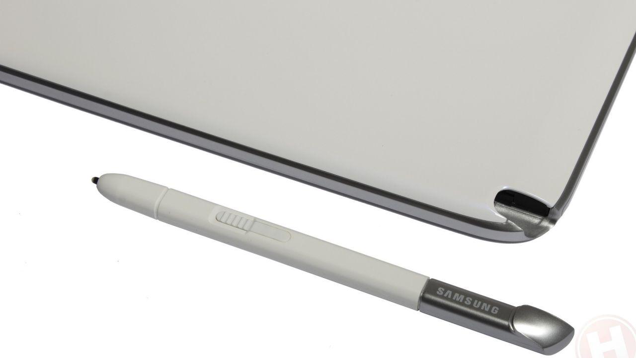 Samsung: 'abbiamo apportato delle modifiche all'S Pen del Note 5 per evitare problemi'