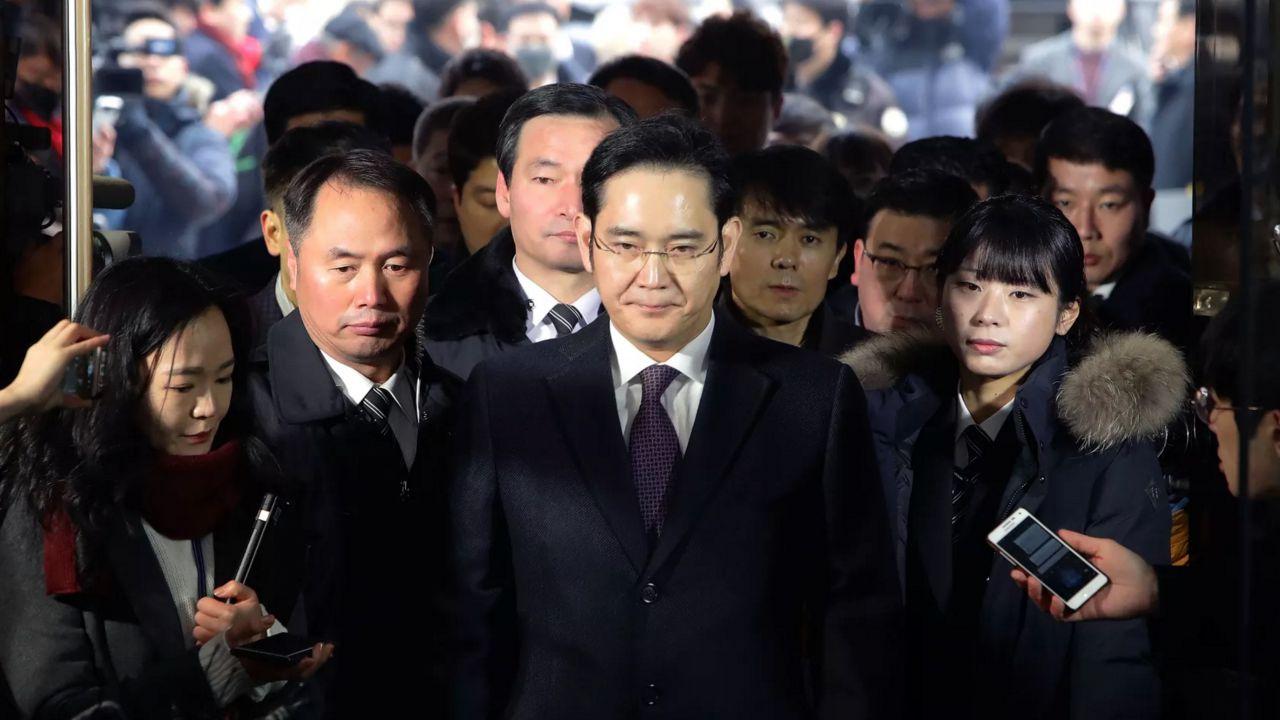 Samsung: ecco i capi d'accusa per Lee Jae-Yong