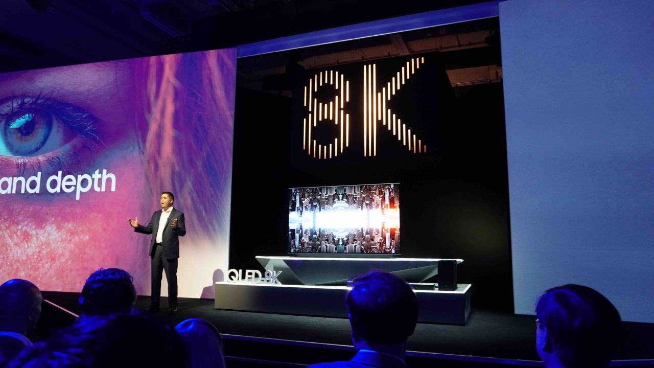 Samsung presenta il primo TV QLED 8K con Real 8K Resolution ed 8K AI Upscaling