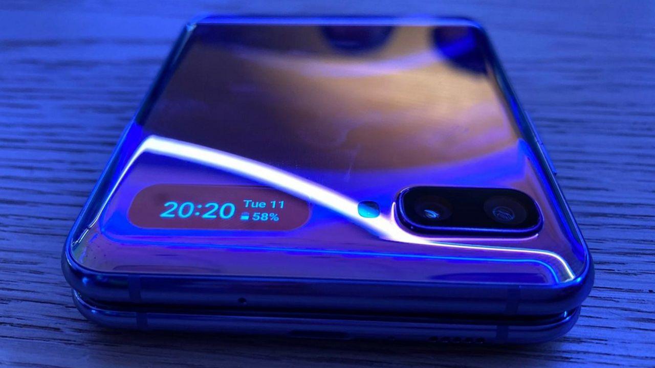 Samsung verso uno smartphone pieghevole 'low cost'? Trapela un modello Lite