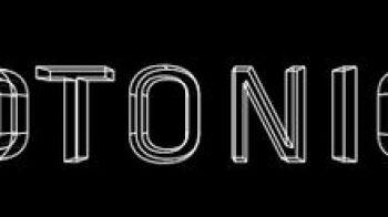 Santa Ragione pubblica Fotonica, un First Person Runner, al prezzo che vuoi tu!