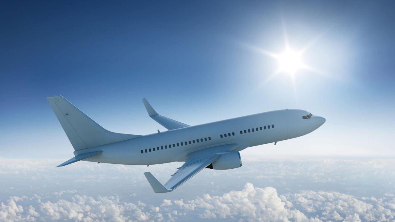 Scoperto modo per convertire CO2 in carburante per aerei