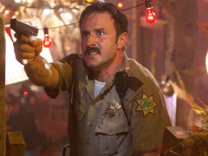 Scream 5 si farà: David Arquette torna sul set dell'iconico comedy horror