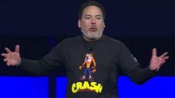 Shuhei Yoshida non sa perchè Shawn Layden ha aperto la PSE indossando la T-shirt di Crash Bandicoot