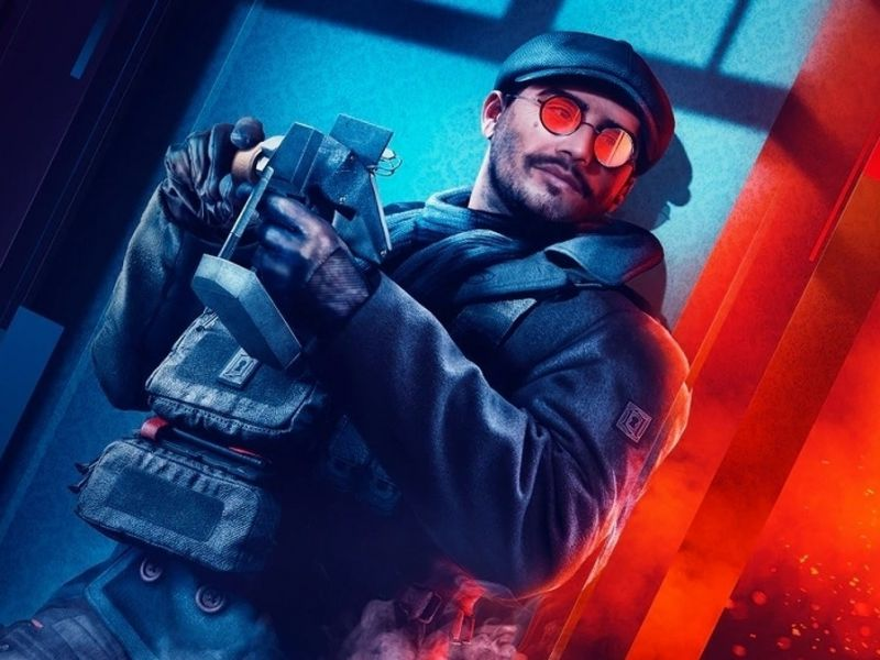 Is it possible to play Rainbow Six Siege on PS4 without Plus?