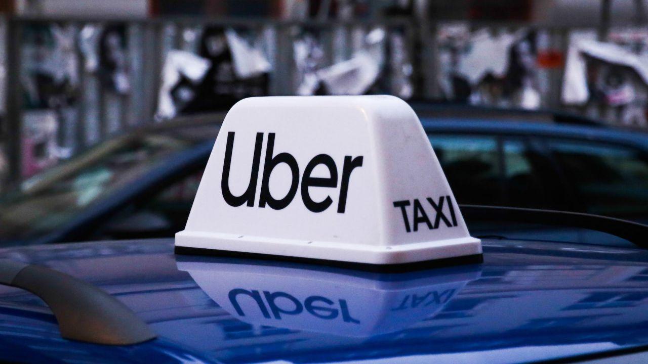 Si ubriaca e monta su un Uber, il giorno dopo arriva conto da 1700$