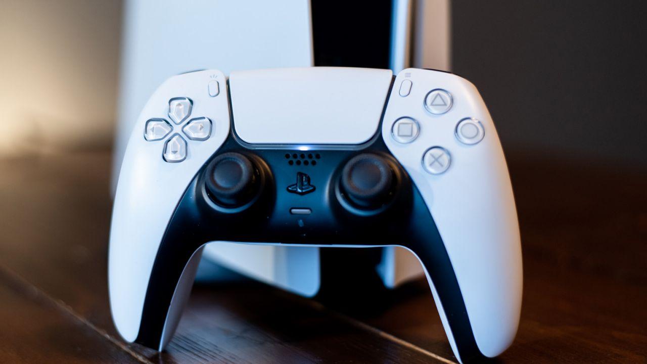 Si può usare il DualSense di PlayStation 5 sulla PS4?