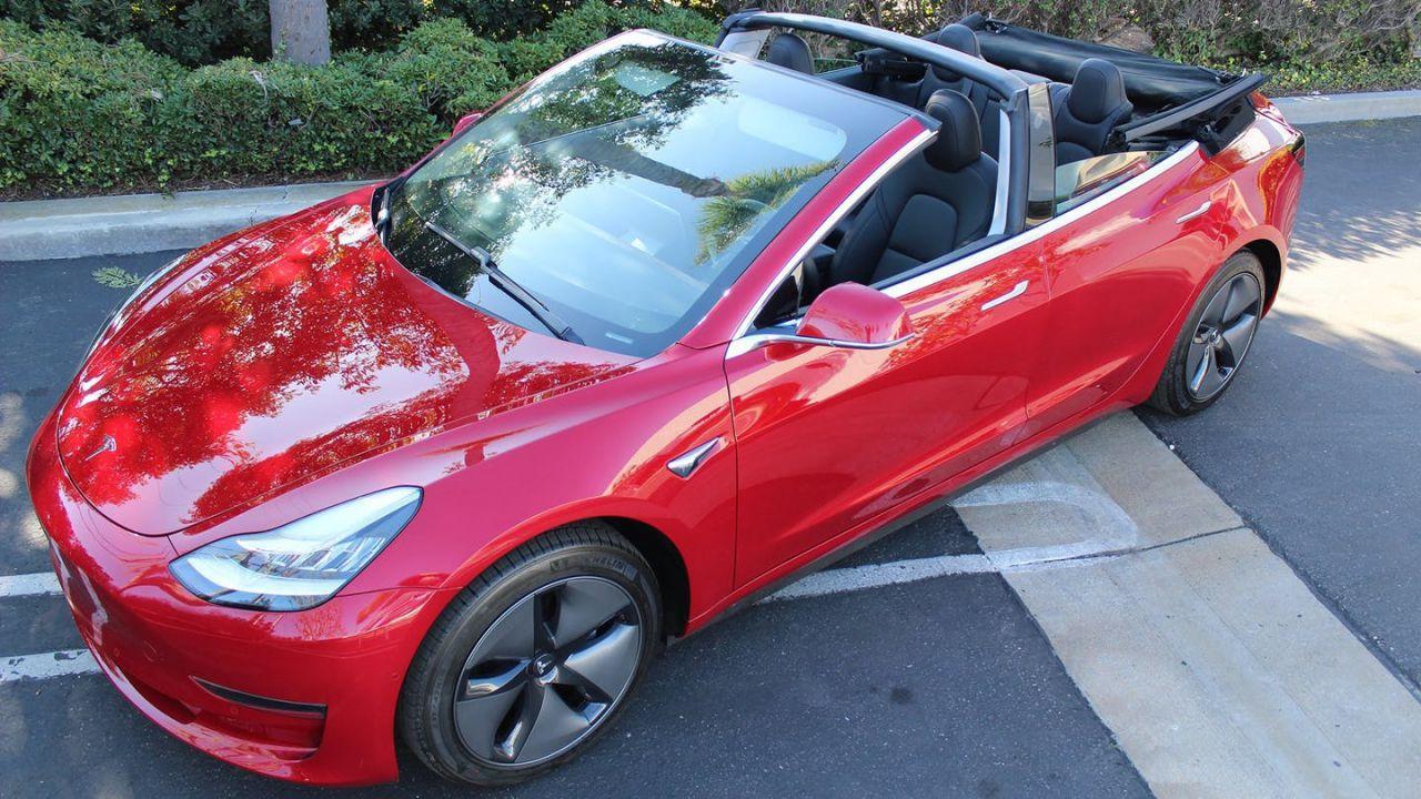 Sognate una Model 3 decapottabile? Un'azienda vi accontenta