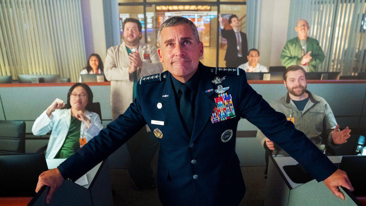 Space Force, rinnovata per una seconda stagione la serie Netflix con Steve Carell