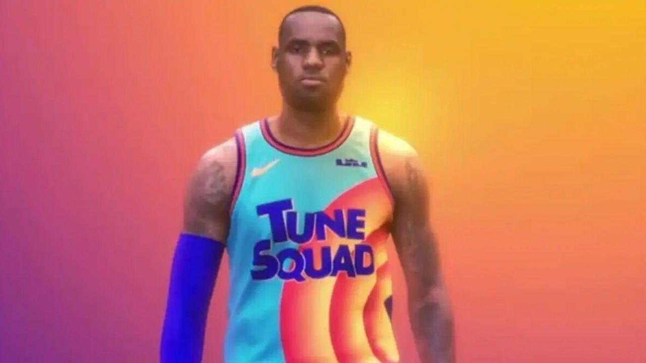 Space Jam 2, perché c'è il numero 6 sulla maglia di LeBron James?