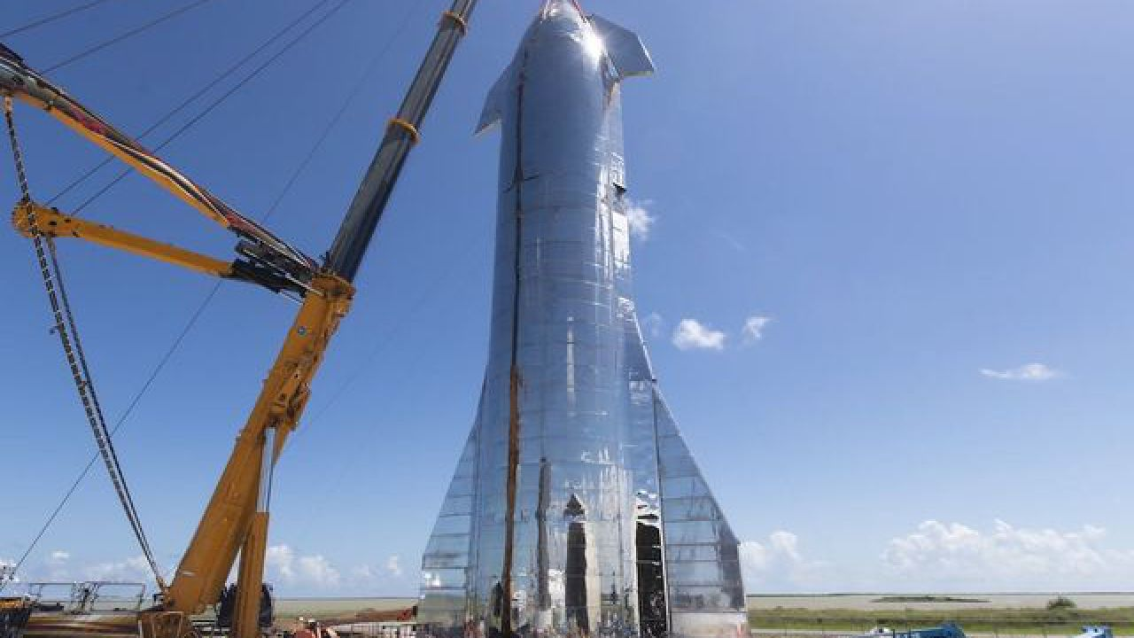 SpaceX si prepara per un volo di prova del prototipo SN8: volerà per 18.300 metri