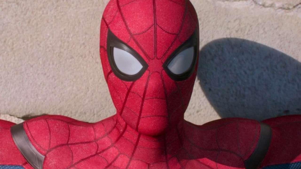Spider-Man: Far From Home, un fan ha realizzato una maschera funzionante dell'Uomo Ragno!