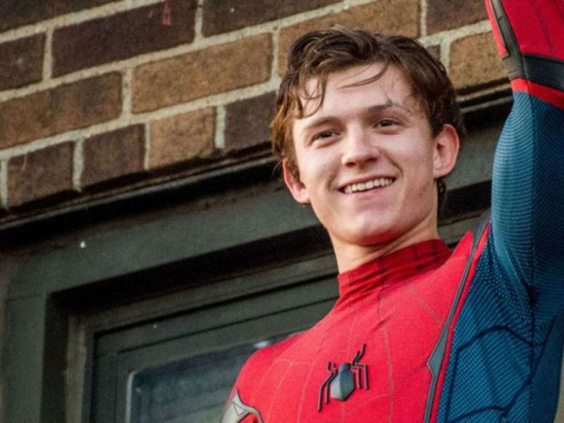 Spider-Man: No Way Home, Tom Holland adora WandaVision: 'Il mio show Marvel preferito!'