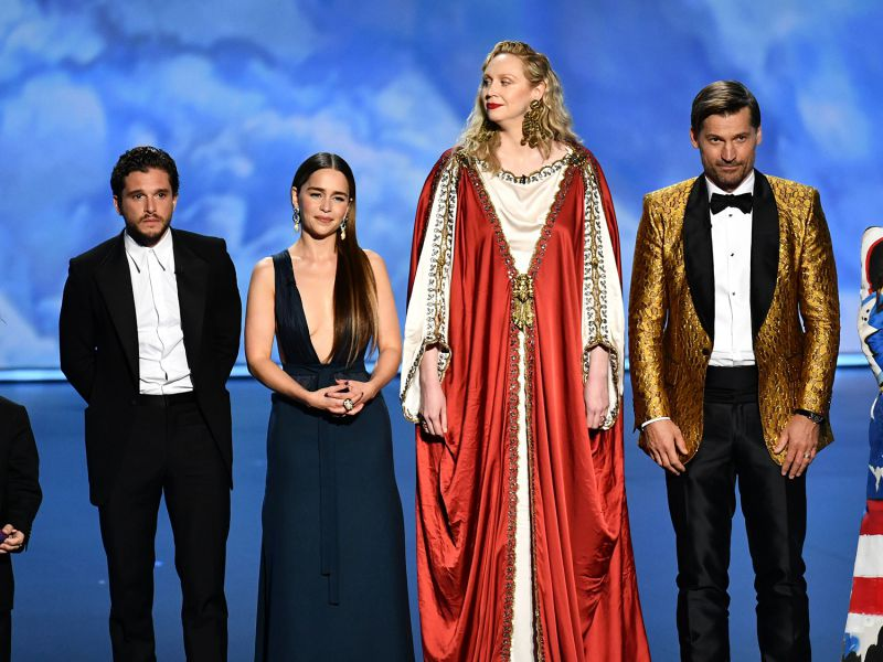 Standing ovation per il cast di Game of Thrones sul palco degli Emmy 2019